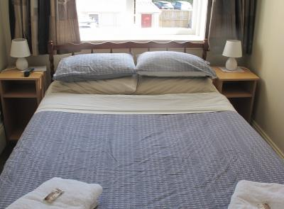 Dorset House Backpackers Small Double Room 6 Christchurch